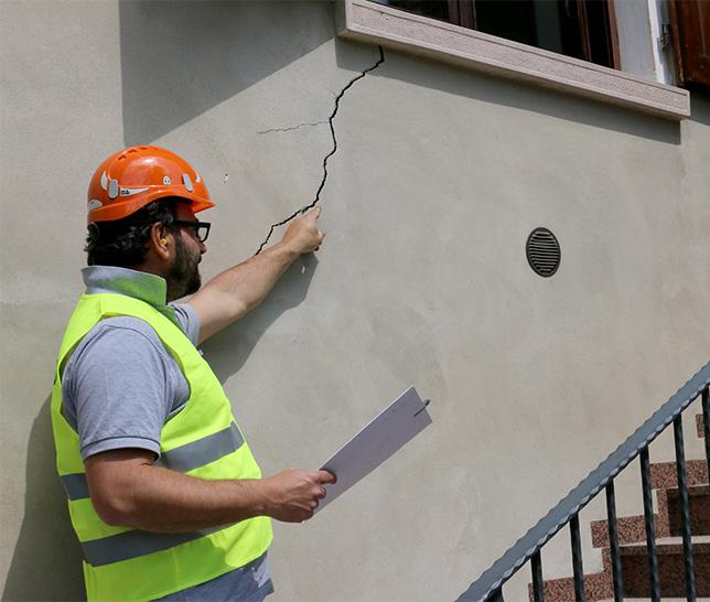 Come risolvere il problema delle crepe nei muri di casa - Crepe nelle piastrelle del pavimento ...