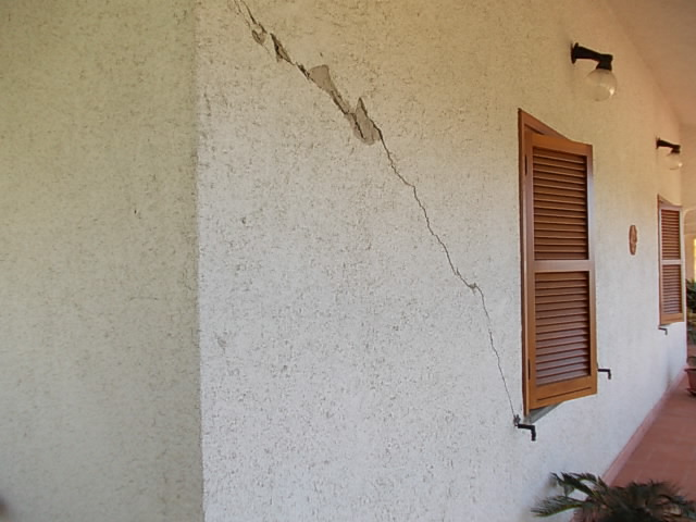 Umidit nei muri stunning umidit nei muri esterni with for Resina per crepe nei muri