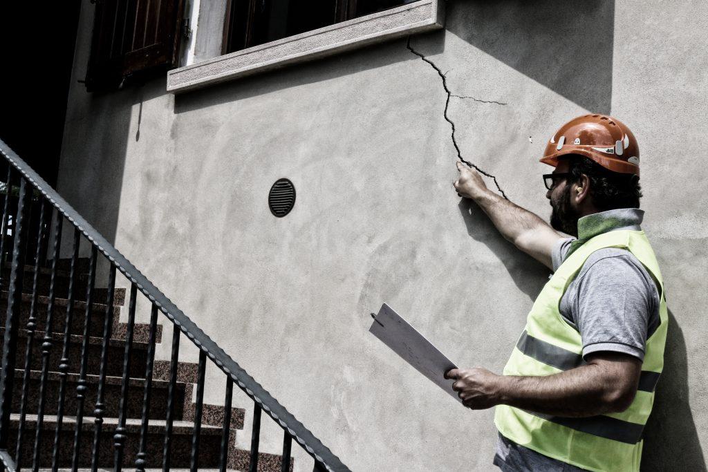 Come eliminare le crepe nei muri in modo rapido e risolutivo - GEOSEC